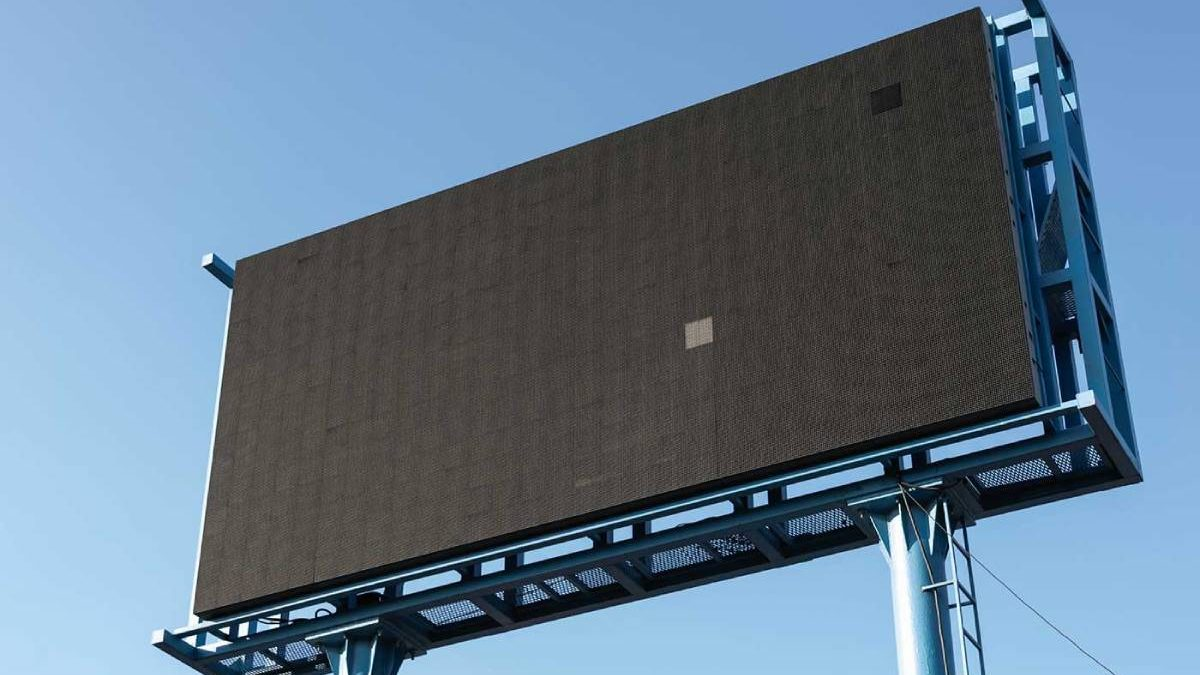 Leveraging The Power Of Billboard Signs For Showcasing Your Brand